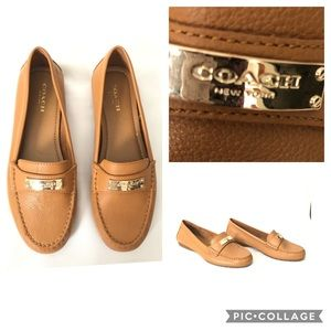 COACH  Ladies Fredrica Tan Pebble Leather Loafers